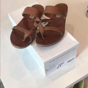 Steve Madden tan sandals with box